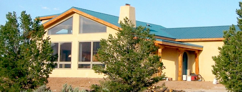 Custom straw bale home construction in Taos, New Mexico